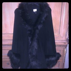 Sioni sz L black wool and faux fur cape/wrap/shawl